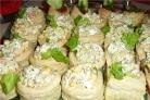 Волованы с салатом