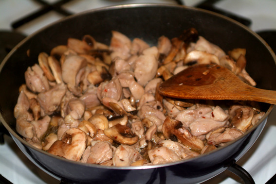 Куриное филе кусочками с сыром - фото шаг 1