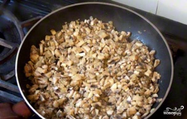 Утка, фаршированная гречкой и грибами - фото шаг 7
