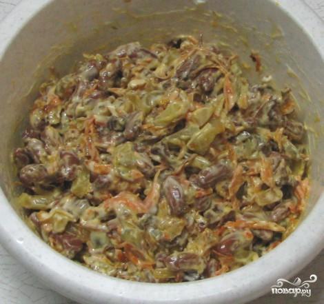 Салат с фасолью и грибами - фото шаг 8