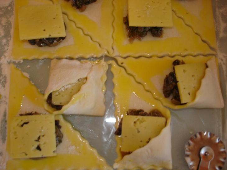 Пирожки с шампиньонами - фото шаг 3