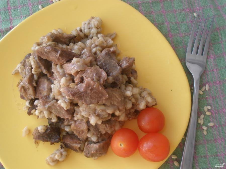 Перловка со свининой в духовке - фото шаг 6