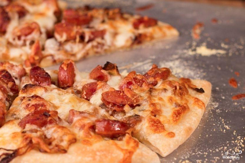 Рецепт Пицца с сосисками и помидорами