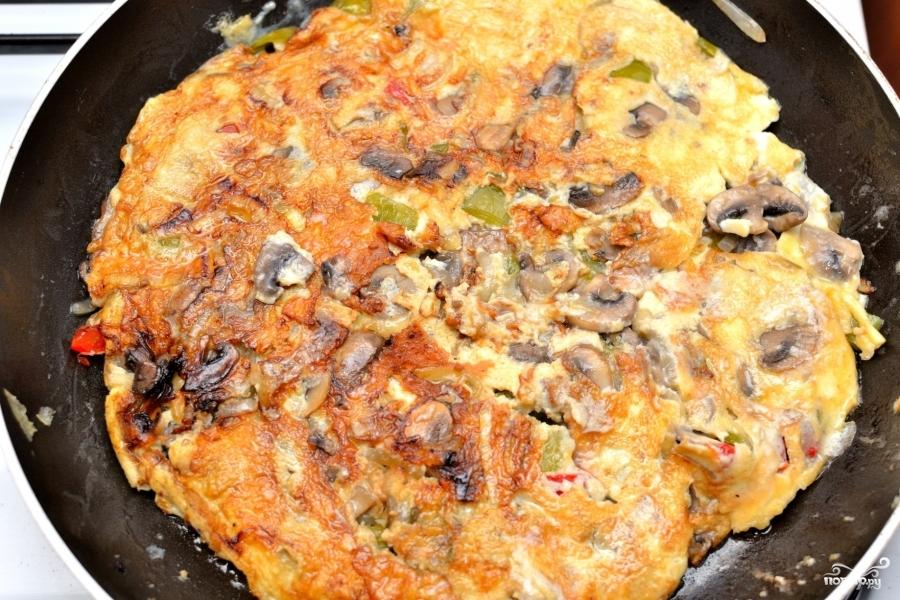 Омлет с сыром и овощами - фото шаг 5