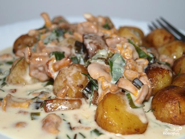 Тушеная картошка с лисичками