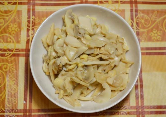 Баклажаны с грибами, запеченные в духовке - фото шаг 4