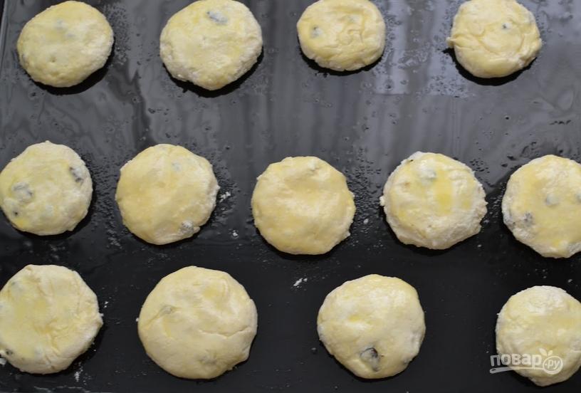 Сырники с изюмом и лимоном - фото шаг 6