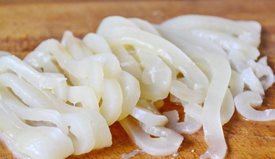 Кальмары на сковороде - фото шаг 4