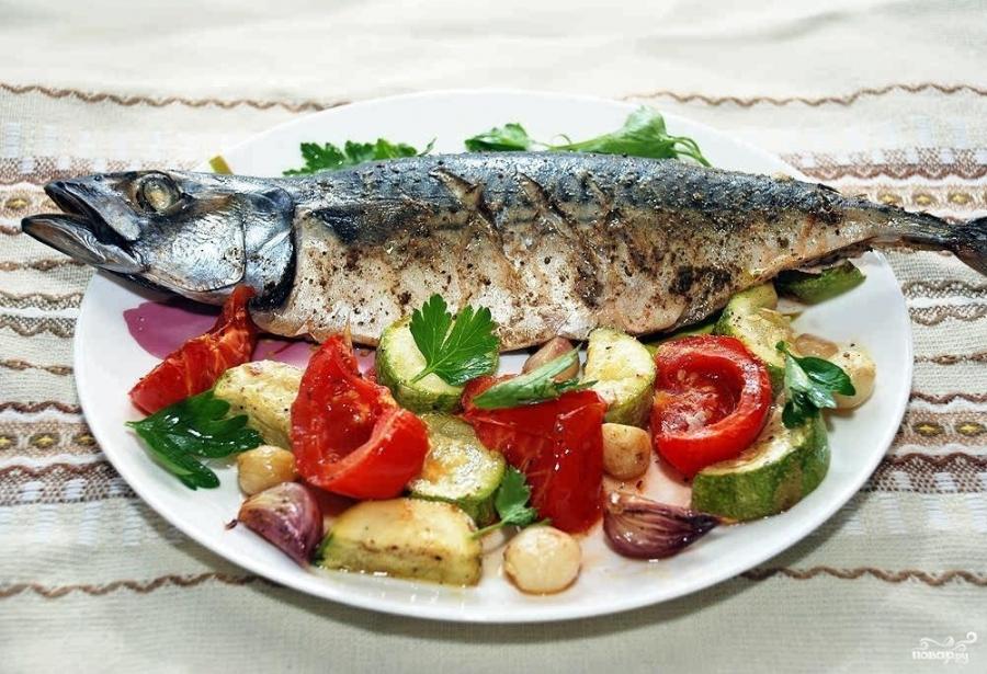Скумбрия с овощами в духовке - фото шаг 9