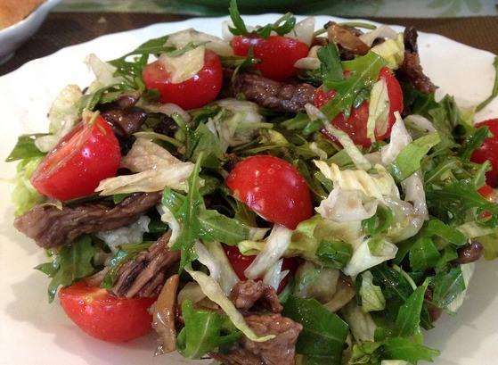 Салат с теплой говядиной рецепт с фото пошагово