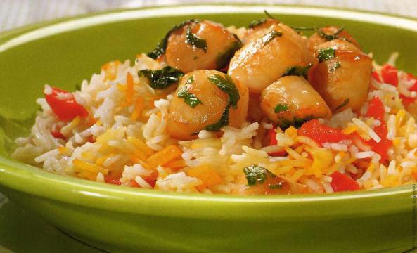Жареные гребешки с рисом
