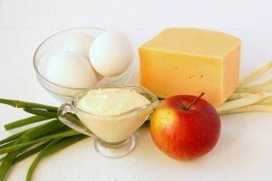 Рецепт Салат из сыра с чесноком