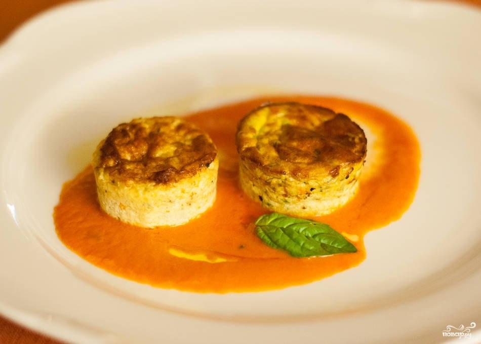 Суфле из кабачков с индейкой под соусом