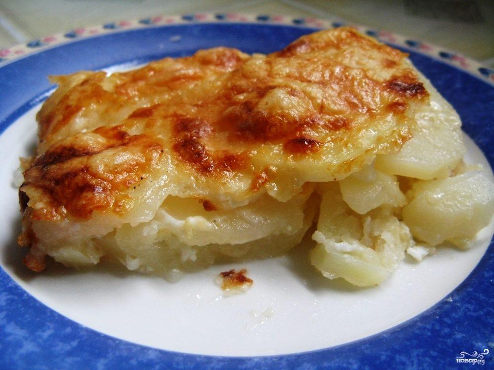 Картошка, запеченная под сыром в духовке