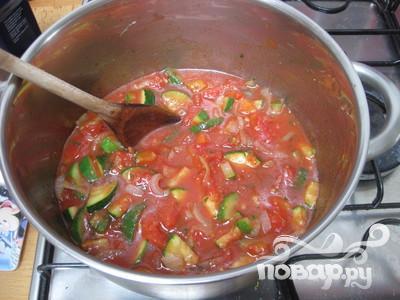Суп с помидорами, кабачками и луком - фото шаг 5