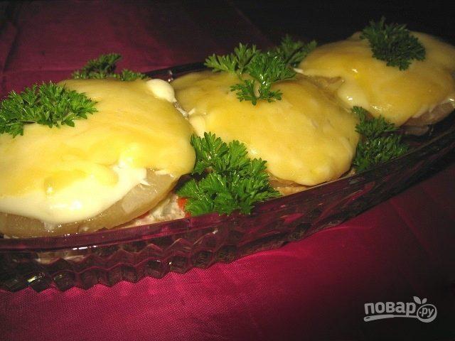 Свинина с ананасами в духовке