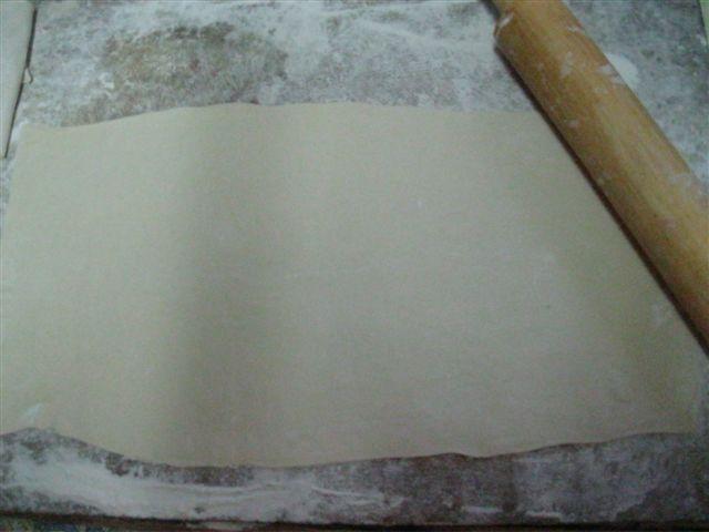 Пирожки из слоеного теста без дрожжей - фото шаг 6