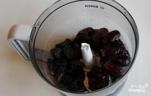 Трюфели с сухофруктами и орехами - фото шаг 3