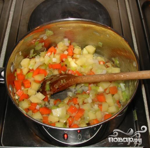 Куриный суп с вермишелью по-итальянски - фото шаг 2