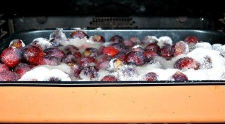 Варенье из слив в духовке - фото шаг 5