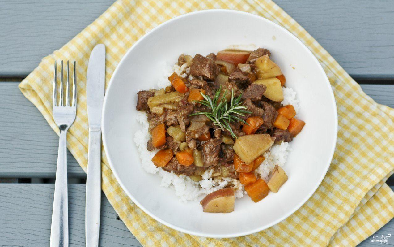 Гуляш из свинины с подливкой с фото пошагово с морковью и луком и