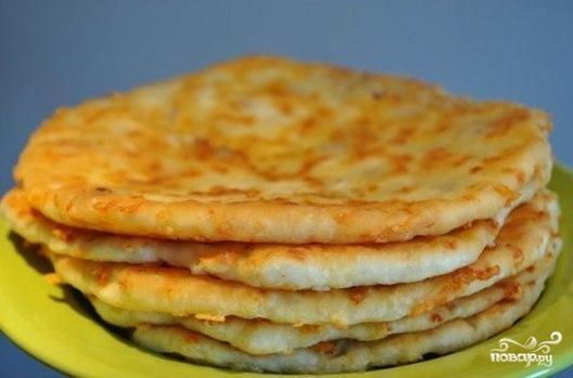Лепешки с сыром в духовке на кефире