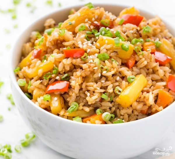 Рис с ананасом и овощами