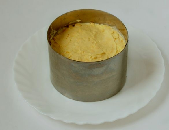"""Салат """"Нежность"""" с сыром - фото шаг 6"""