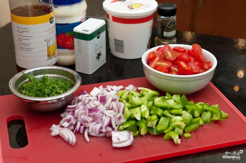 Салат из помидоров и кукурузы - фото шаг 2