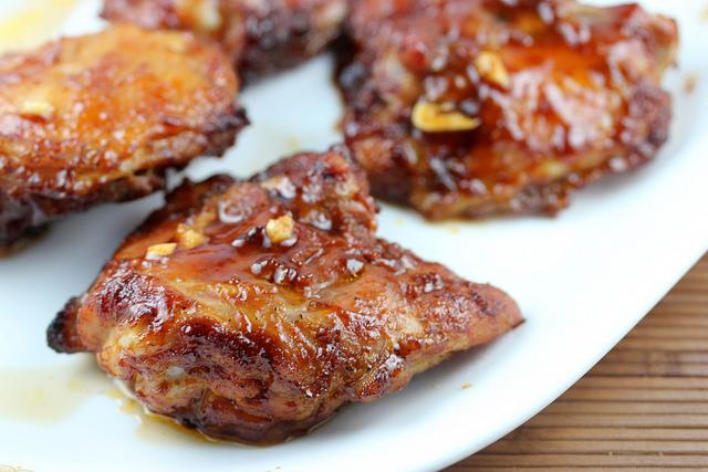 Куриные бедрышки в чесночном соусе - фото шаг 4
