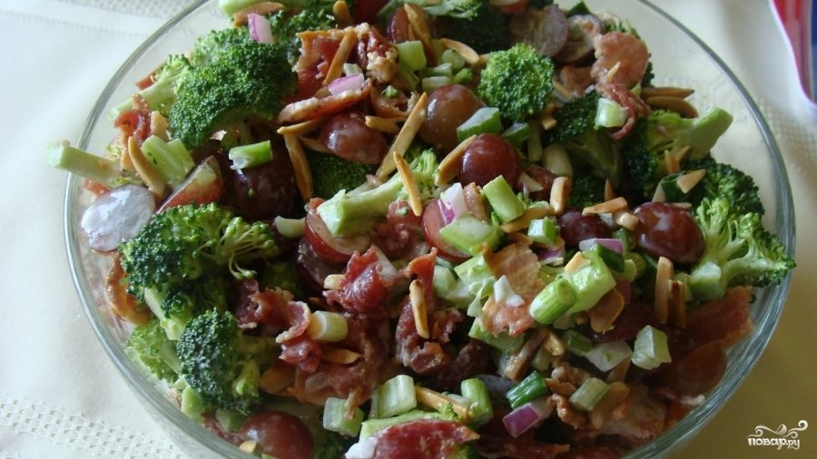 Красный салат из брокколи