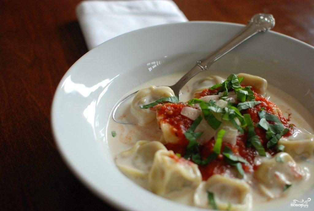 Тортеллини в сливочном соусе