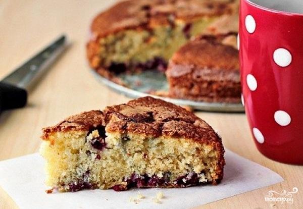 Очень быстрый пирог на кислом молоке - Рецепты с фото ...