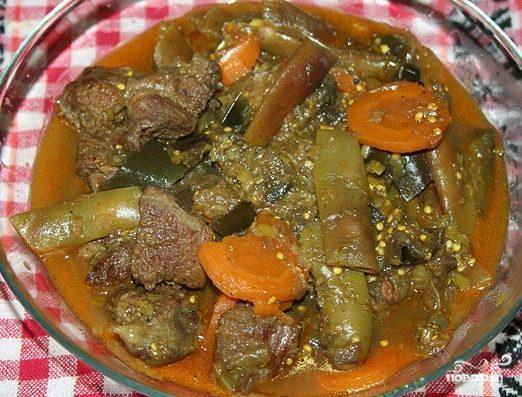 Говядина в горшочке с овощами