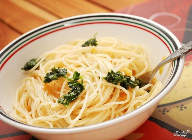 Спагетти с чесноком и маслом