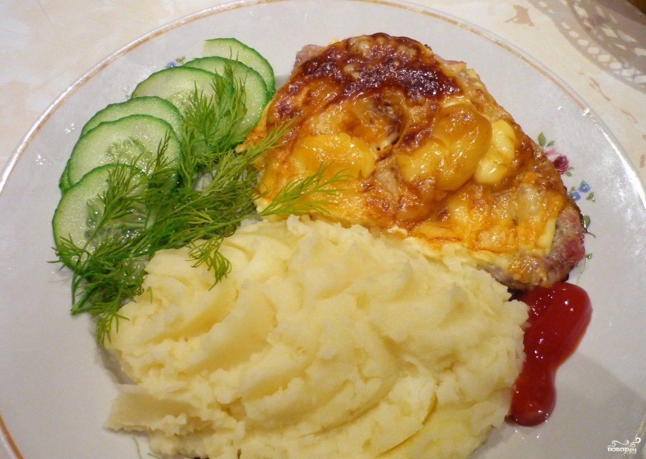 Свинина под сыром в духовке
