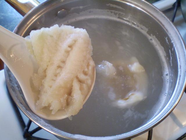 когда солить рыбный суп вначале или в конце варки