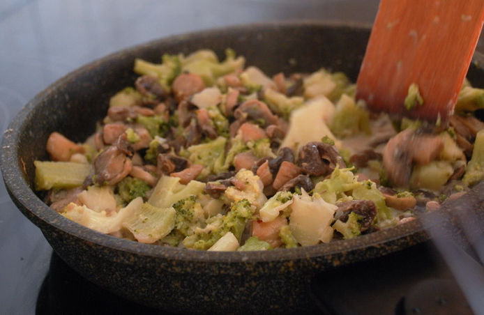 Каннеллони с сыром и грибами - фото шаг 3