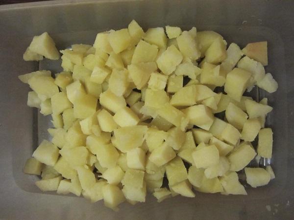 Салат с картошкой и солеными огурцами - фото шаг 2