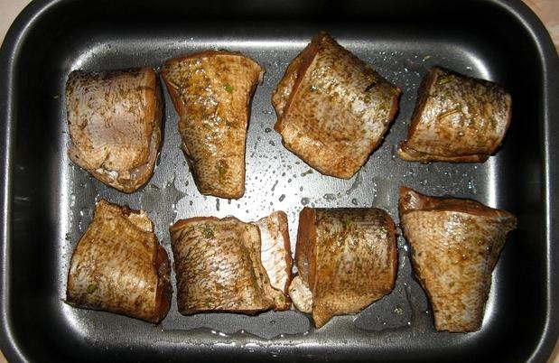 Щука в духовке с овощами - фото шаг 5