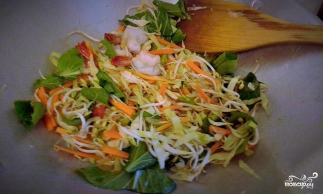 Яичная лапша с овощами - фото шаг 2