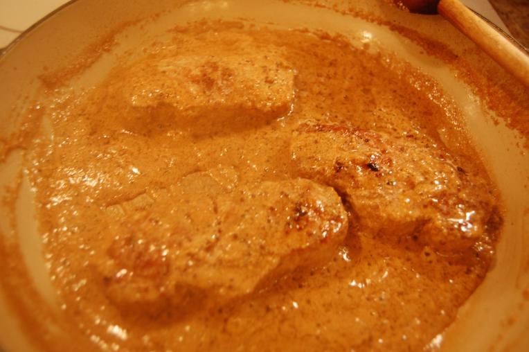 Свинина под сливочным соусом - фото шаг 6