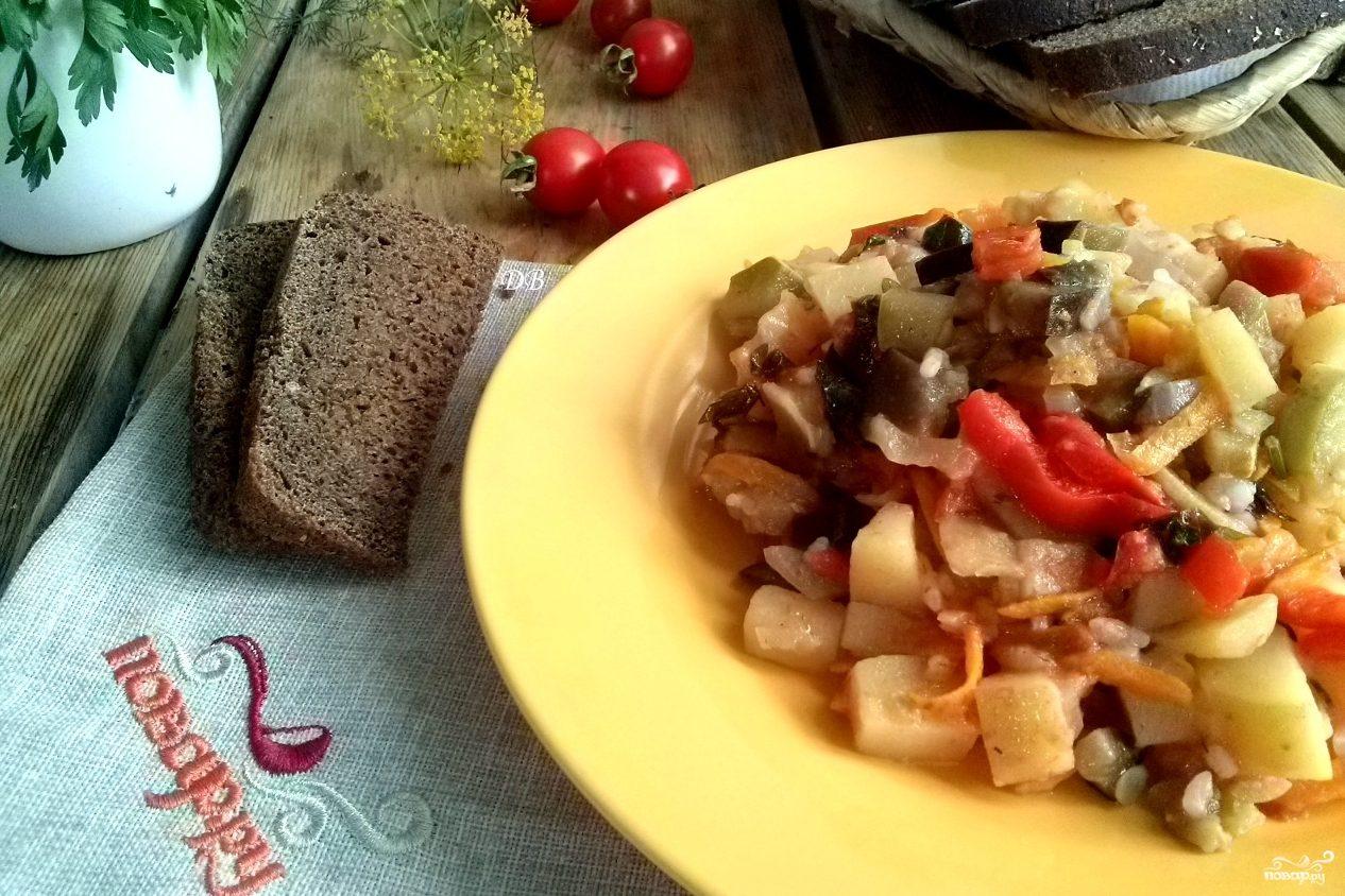 Тушеные овощи с кабачками и баклажанами и картошкой