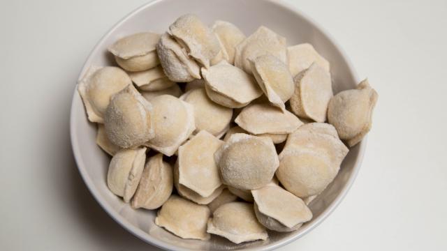 Рецепт Запеканка из пельменей с сыром и грибами