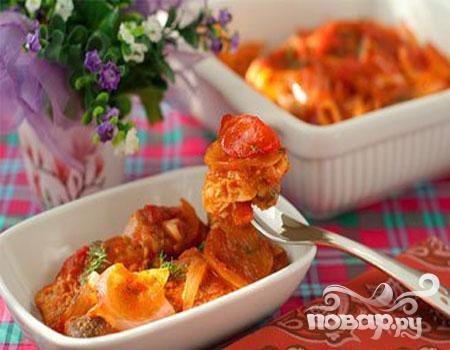 Горбуша, запеченная в духовке под томатным соусом - фото шаг 5