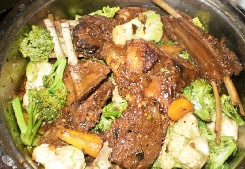 Ребрышки с овощами тушеные - фото шаг 5