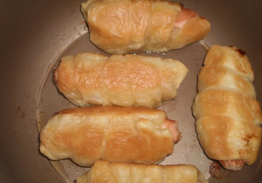 Сосиски в тесте в мультиварке рецепт с фото