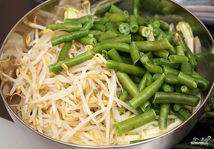 Салат из ростков фасоли - фото шаг 4