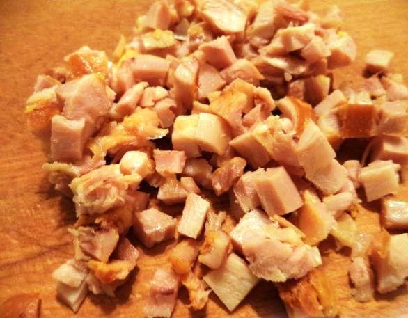 Блинный салат с копченой курицей - фото шаг 3