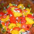 Рецепт Куриные грудки с салатом из мандаринов, перца и лука